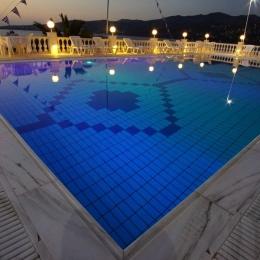20-pool-night